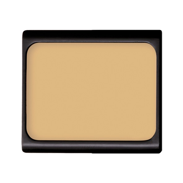 Camouflage cream no.01 covering green
